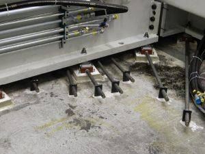 RK Fixatoren mit Stellschraubenverlängerung für innen liegende Elemente.